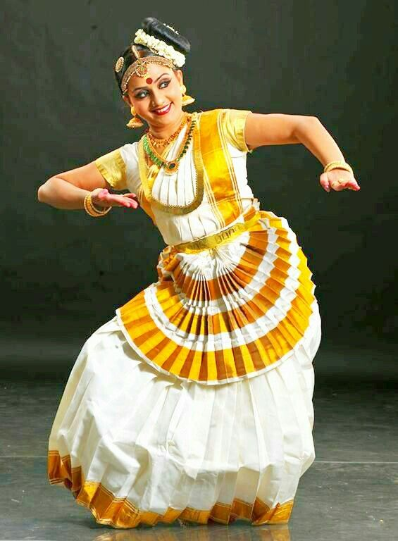 Mohiniyattam, Dances in India